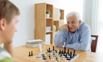 How Do You Keep an Aging Parent From Feeling Boredom When Mobility Decreases?