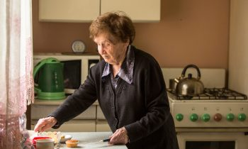 Emotional Overeating: Recognizing the Signs in Seniors