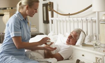 The Importance of Emotional Support for a Senior Who Has Suffered a Heart Attack