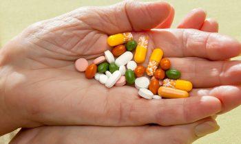 Signs a Senior Is Abusing Prescription Medications