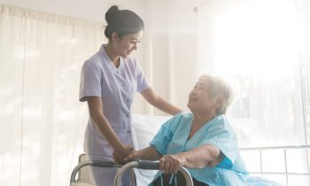 The Benefits of In-Home Care for Your Mom