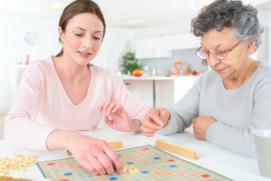 How Can Playing Games Benefit Your Senior Parent?